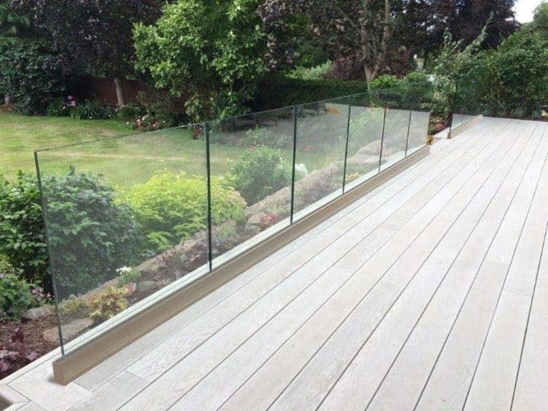 base rail glass system toronto